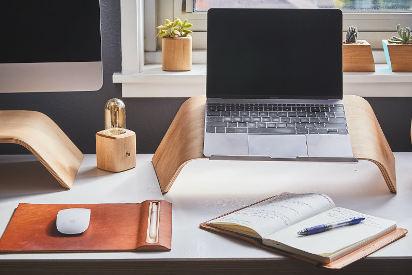 Laptopy i komputery do pracy – co do biura, a co do pracy zdalnej?