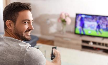 Jaki telewizor do oglądania sportu? Ranking telewizorów do piłki nożnej